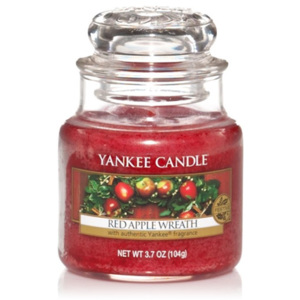 Yankee Candle – vonná svíčka Red Apple Wreath, malá 104 g