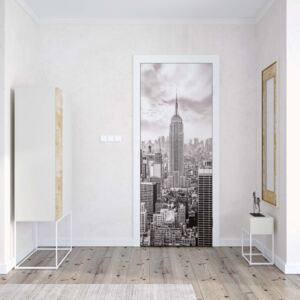 GLIX Fototapeta na dveře - New York City Skyline Black And White | 91x211 cm