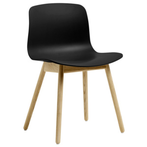 HAY Židle AAC 12 Matt Lacquered Solid Oak, black
